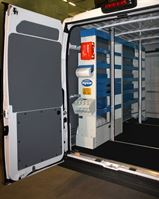 02_Van racking with cargo bars